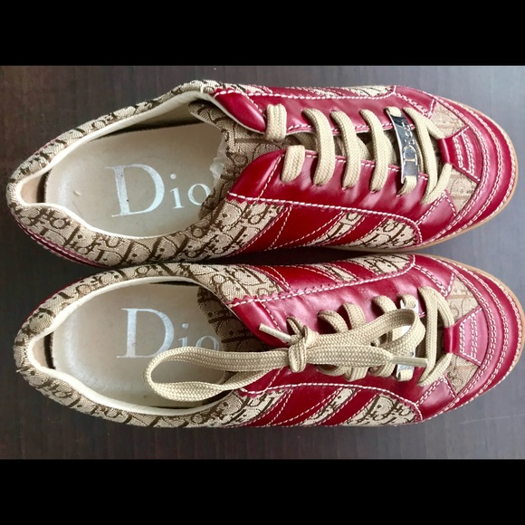 Christian Dior Shoes   Diorissimo Low Top Sneakers   Poshmark ae50869a08b